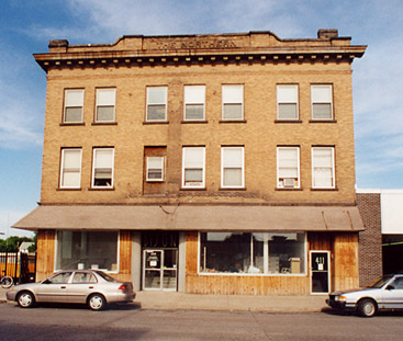 Broadway Furniture, 2001.