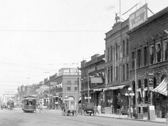 East side of Broadway, 1911