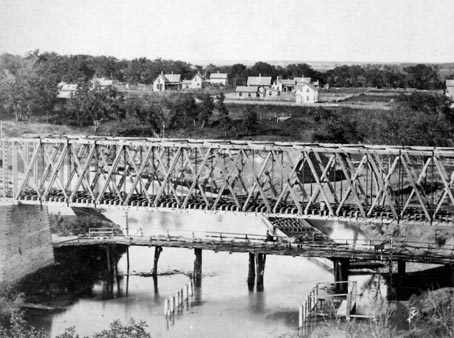 Northern Pacific Railroad Bridge over the Red River (1871-1883).
