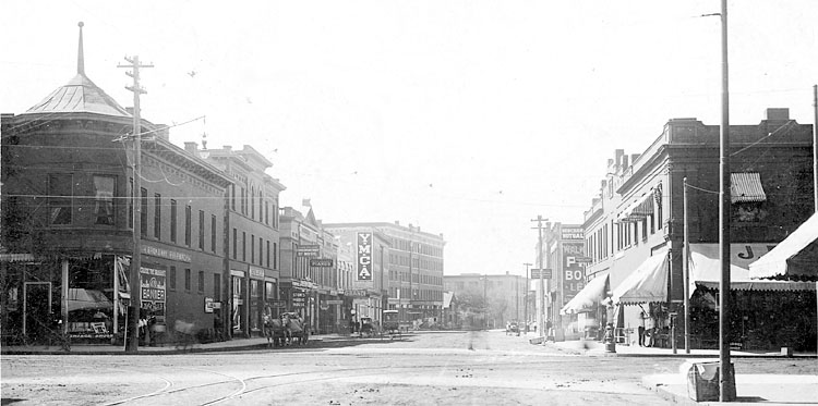 First Avenue in 1909.