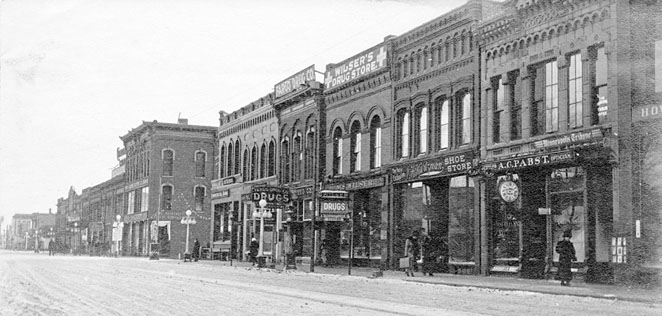 Front Street in 1910.
