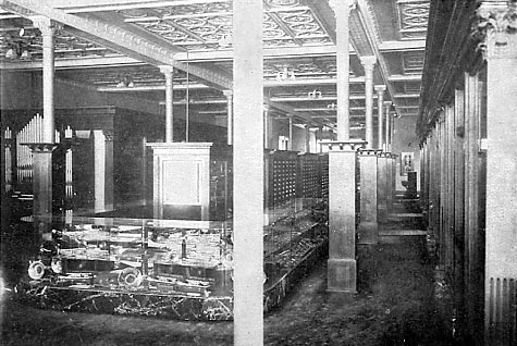 First floor of Stone Piano Company in 1915.